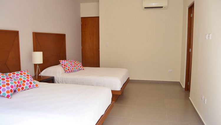 2-double-beds_23757551493_o